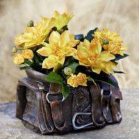 Blumen Übertopf Sattel